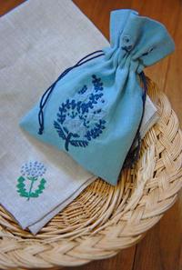 【Lesson】フリーステッチ(Hさん)とお花たち(晩春〜初夏3) - 浜松の刺繍教室 l'Atelier de foyu の 日々