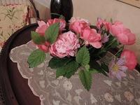 薔薇のお庭を眺めながらティータイム - BEETON's Teapotのお茶会