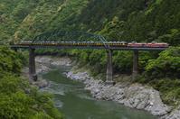 DE10大サロ 第2吉野川橋梁 - レイルウェイの毎日