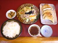 肉やさい炒めと焼き餃子 【茅ヶ崎 まんぷく亭】 - ぶらり湘南