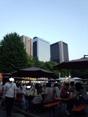 外ビールが気持ちいい at ヒビヤガーデン - chicaの日記