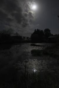 月の夜  秋田にて(3cut) -     ~風に乗って~    Present