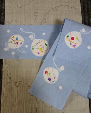 水風船ヨーヨーの絞り刺子麻半巾・藤井絞金魚綿麻半巾帯。 - きもの鶴のブログ