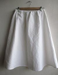 WILDBERRY 白ロングスカート - ハンドメイドハンドメイドハンドメイド