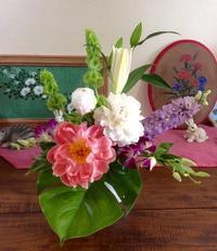 芍薬をつかったアレンジ - coco diary 山口県 お花と絵とテーブルコーディネートレッスン