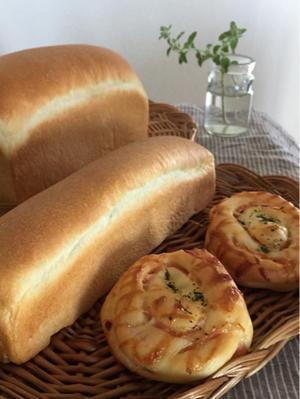 ホップ種のパン3種 - パンの木