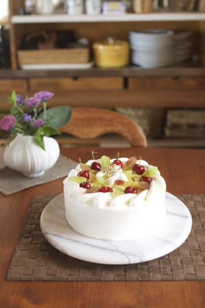 手作り 米粉の誕生日ケーキ - peddyのくまちゃん カメラを持って。
