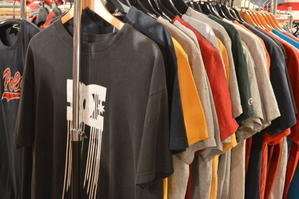 本日 - Used Clothing Shop LUCY