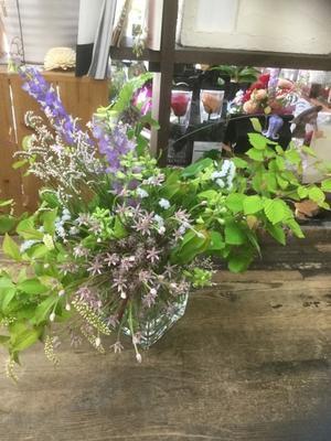 プレミアムフライデーはハッピーなオンナ磨き - ルーシュの花仕事
