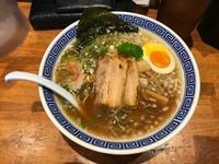 らー麺つづき - 外人会      meet a person in the outdoors