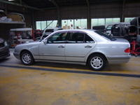 メルセデスベンツ E230(W210) グローブボックス修理 - 掛川・中央自動車