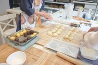 5月『手ごねクラス』メロンパンなどなどスタートいたしました! - 大阪 堺東 パン教室 『大人の女性のためのワンランク上の本格パン作り』 - ル・タン・ピュール -