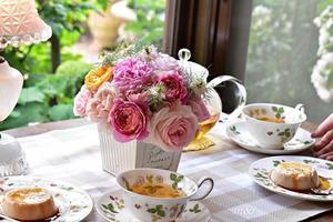 バラを飾ってティータイム♪ - バラ好き夫婦のガーデン日記