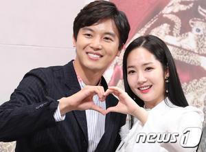 7日の王妃 フォトセッション - Hello Yeon WooJin(ヨン・ウジン)