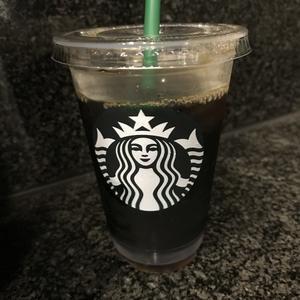 午後のスタバのアイスコーヒー。 - Like a grumpy cat