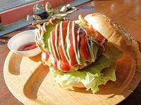 Burger Shop H&S(恩納村) - avo-burgers ー アボバーガーズ ー