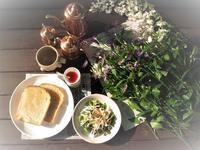 It is breakfast on Wood deck - Hello from Nasu Kougen (那須高原からこんにちは)