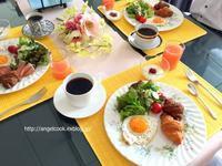 家族の朝食 - 天使と一緒に幸せごはん