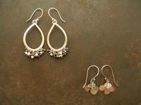 枯れ風味 ピアス2種 - 石と銀の装身具
