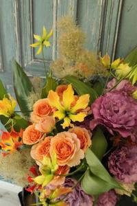 送別の花束 スモークツリー - 北赤羽花屋ソレイユの日々の花