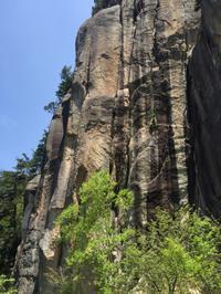瑞牆山十一面岩末端壁(5月30日) - ちゃおべん丸の徒然登攀日記