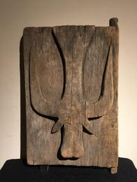 インドネシア スラウェシ島 トラジャ族 岩窟墓の扉 - MANOFAR マノファー