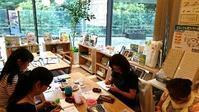 カラフルボトルカバー完成です♪@住まいるカフェ大崎1day編み物レッスン - 空色テーブル  編み物レッスン&編み物カフェ