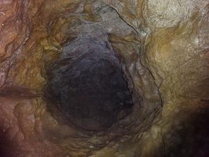 羅漢穴 愛媛県最大の鍾乳洞 全長388m - おじょもの山のぼり                ohara98jp@gmail.com