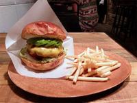 Chatan Burger Base Atabii's(北谷町) - avo-burgers ー アボバーガーズ ー