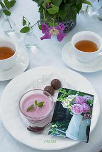 5月のおやつ「ダークチェリーババロア」 - VERDURE 「ヴェルデュール花教室」花暮らしブログ