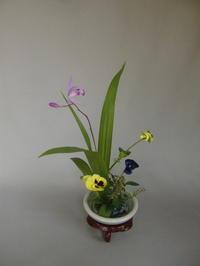 家庭雑器に小品花 - 活花生活(2)