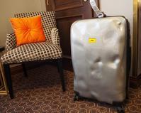 ぼっこぼこが新しいスーツケース「クラッシュバゲージ」で旅に出よう - ! Buen viaje!(ブエン ビアーへ)旅と猫