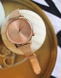 お気に入りの、ベルギーから来た時計(Komono) - バンクーバー日々是々