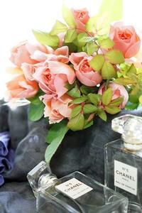 和ばらリクエストレッスン「茜」とアイロニー花白&グリーン - お花に囲まれて