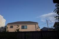 家の窓から青空が見える - もるとゆらじお