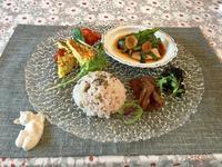 紫エンドウ豆御飯のワンプレート - カフェ気分なパン教室  ローズのマリ