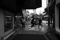 東京 2017 05 B&W #49 - Yoshi-A の写真の楽しみ