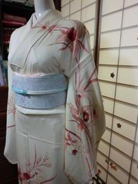レトロで優雅なカトレア柄のお着物。 - 京都嵐山 着物レンタル&着付け「遊月」