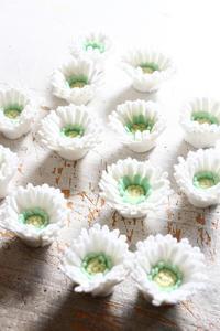 フェルトフラワーのマーガレット大量生産中 - ビーズ・フェルト刺繍作家PieniSieniのブログ