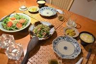 青椒肉絲/卵と豆腐の中華風スープ/空豆のにんにく干し海老豆板醤炒め/サラダなど - まほろば日記