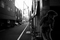 東京 2017 05 B&W #50 - Yoshi-A の写真の楽しみ