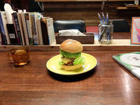 BABY BABY HAMBURGER & BOOKS(那覇市牧志) - avo-burgers ー アボバーガーズ ー