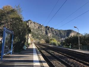 地方都市の在来線について La ligne de train sur la Cote d'Azur - おフランスの魅力
