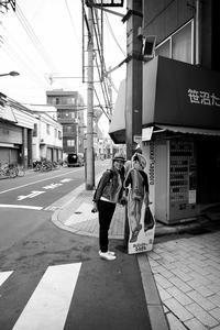 東京 2017 05 B&W #53 旅の終わりは、バッハと珈琲 - Yoshi-A の写真の楽しみ