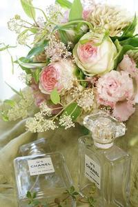 アイロニー花の競演、妖艶、ええんよ(^_-)-☆ - お花に囲まれて