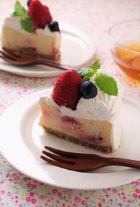 いちごのチーズケーキでハッピーバースデー - cafeごはん。ときどきおやつ
