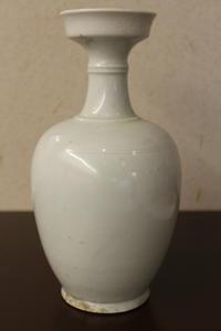 唐代白磁瓶 - 中国古陶磁 陶枕斎