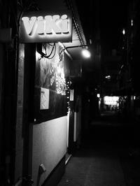 ガールズバーの夜 - 節操のない写真館