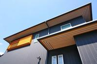 屋根より軒裏が見える住まいの決め手 - アトリエMアーキテクツの建築日記