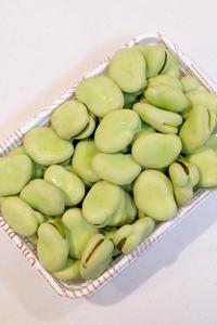 空豆の天ぷら。 - リンゴ3コ分 。